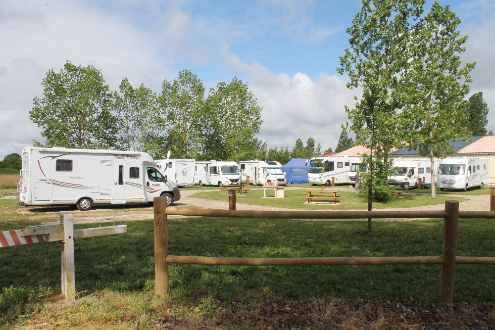 Aire camping-car à Temple-sur-Lot (47110) - Photo 2